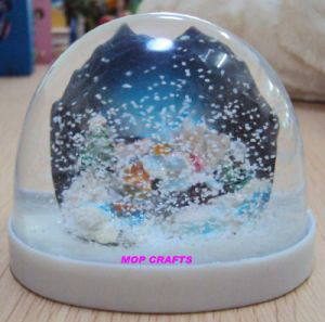 Plastic Snow Globe, Plastic Snowball, Plastic Water Ball pictures & photos