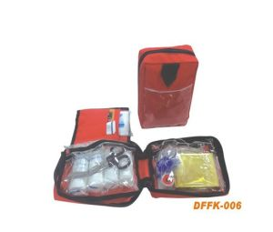 Mini Car First Aid Kit for Travel with Prining pictures & photos