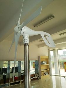 Small Power Windmill Generator with Ce Certificate (100W-20kw) pictures & photos