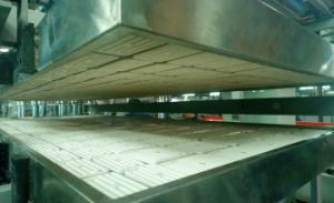 Four Station Advanced Fast Noodles Box Container Thermoforming Machine pictures & photos