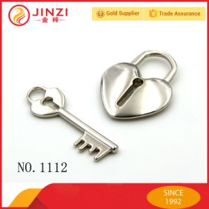 Fashion Bags Fittings Heart Silver Metal Padlock pictures & photos