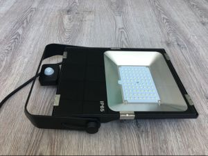 Top Rated Outdoor LED Floodlight for Sale 80W with Meanwell Driver 110lm/W pictures & photos