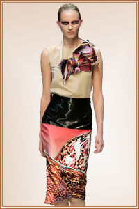 Popular Digital Print on Satin Fabric for Ladies Dress (M024) pictures & photos