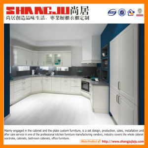 MDF U-Shape Kitchen Cabinet in Low Price pictures & photos