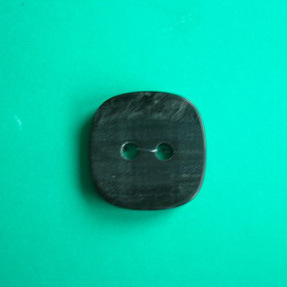 2 Holes New Design Polyester Button (S-073) pictures & photos