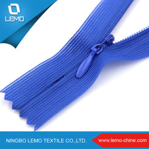 #5 Long Chain Nylon Coil Zipper for Bags pictures & photos