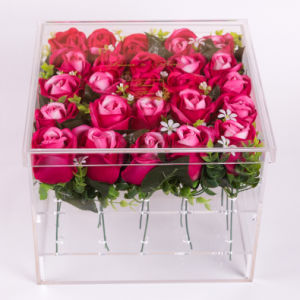Luxury Clear Square Acrylic Flower Box for Rose and Chocolate pictures & photos