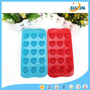 Smile Heart Shape Food-Grade Silicone Cake/Chocolate Mold pictures & photos