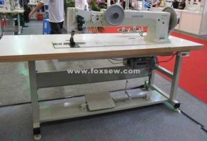 Long Arm Flat Bed Extra Heavy Duty Lockstitch Sewing Machine pictures & photos