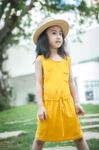 100% Cotton Golden Yellow Simple Dress for Girls pictures & photos