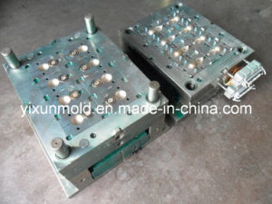 Hot Runner Plastic Injection Mould for Top Cap/Shampoo Cap pictures & photos