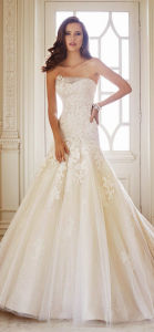 2014 Latest Designer White Ball Gown Cap Sleeve Lace Back See Through Bodice Appliqued Wedding Gown Sample Pictures (MN1482)