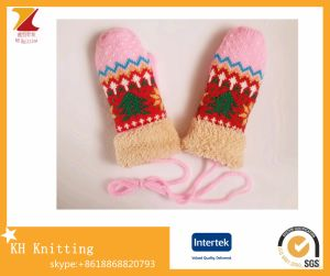 2016 Winter Ladies′ Double Layer Knit Gloves with Christmas Tree Pattern