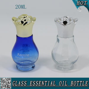 20ml Blue Color Glass Essential Oil Bottle with Flower Aluminum Cap pictures & photos