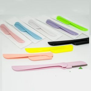 China Eyebrow Shaper Disposable Eyebrow Razor Plastic Eyebrow Trimmer pictures & photos