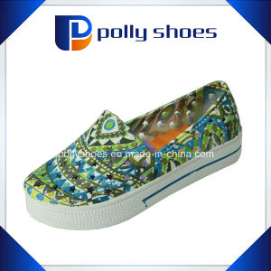 China Factory Women Comfortable Clogs pictures & photos