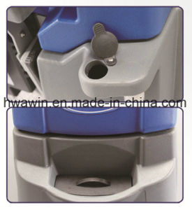 Battery Power Scrubber Machine Floor Scrubber pictures & photos