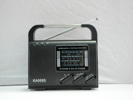 مولّد راديو شمسيّ مع [لد] ضوء والمتحدث