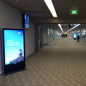 65 인치 실내 입상 LCD iPhone 유사하 디지털 Signage 간이 건축물