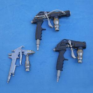 Spruzzatore automatico con tre pistole a spruzzo