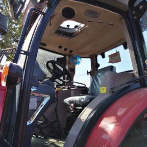 道具を持つ自律トラクター100-150 HP Traktor