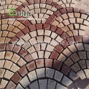 屋外の玉石のペーバーのマットの沢山の普及したデザインかパターンまたはカラーまたは材料