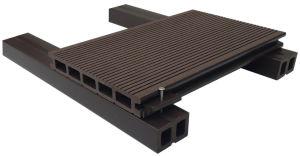木製のプラスチック合成の防水フロアーリングの空WPCのDecking