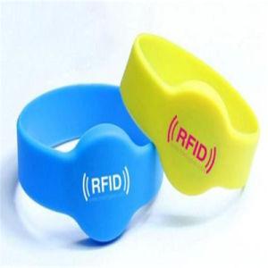 Insiemi poco costosi di sport personalizzati commercio all'ingrosso dell'inchiostro da stampa del Wristband del silicone di RFID