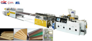 Le WPC Feuille de plastique de la production/Ligne/Machine de l'extrudeuse
