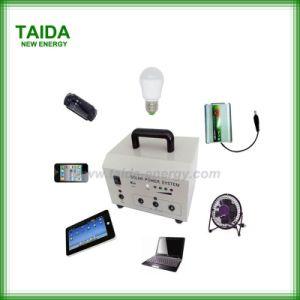 Sistema portatile di energia solare per illuminazione dell'interno domestica