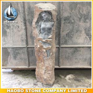 De Grafsteen van de Steen van het basalt met Gesneden Bloemen