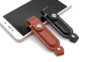 カスタマイズされた革Pendriveの販売USB Paypal 2GB実質容量