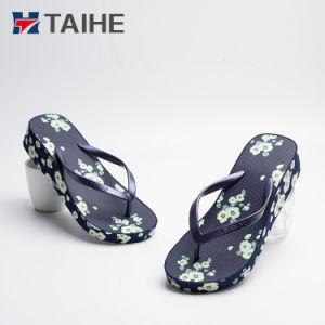 Таким образом сексуальные девушки высокого каблука Шлепанцы женщин клин сандалии
