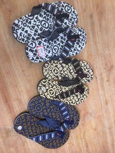 Chaussures de stock Stock Pantoufles Chaussures sandales de stock