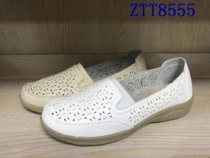 Mode de vente chaude mature de confortables chaussures femmes avec Ztt8555