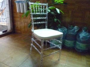 Qualitäts-Plastikhochzeit, die Stuhl speist