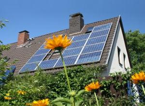 Les panneaux solaires polycristallins pour la maison