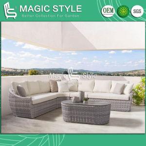 El tejido de mimbre sofá de mimbre del Patio con mesa de café de vidrio cerámico Conjunto de muebles de exterior