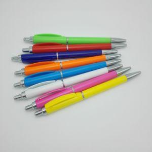 Penna di sfera promozionale di azione operata di spinta con l'anello cromato
