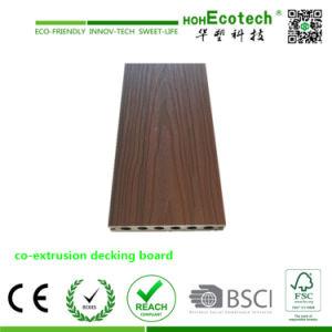 耐久の共押出し合成のDecking HuasuによってキャップされるWPCのDeckingの床
