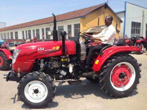 35HP 40HP 50HP-80HPの小型動かされた農業の農場トラクター