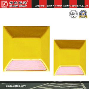 100*100*20mm réfléchissant les goujons de la sécurité routière en plastique (CC-PS01)