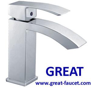 正方形の浴室の洗面器のコック(GL5701A57)