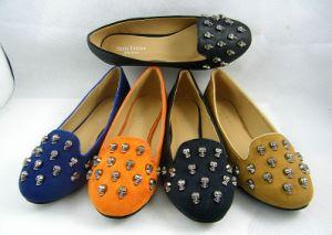 Nuevo estilo de vestido de mujer zapatos planos (HCY03-128)