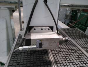 Roteador de madeira CNC Máquina com cabeça de viragem de 180 graus do Fuso