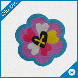La etiqueta de tela Troqueladas OEM para la promoción de regalos