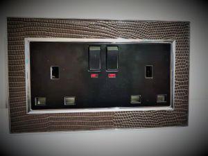 Parede de couro Tomada do interruptor da Tomada funcional 13A com neon