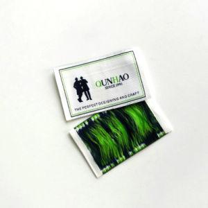 Los hombres duradera personalizada etiqueta tejida en blanco para adaptarse a
