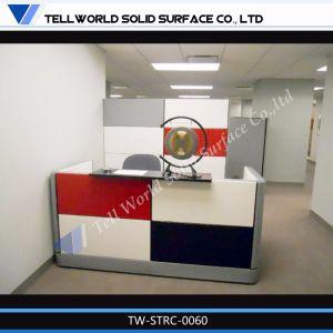 Современный дизайн акриловой поверхности неподвижной стойкой регистрации/ изогнутой стойкой регистрации