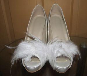 Nuevo estilo de tacón de moda zapatos de boda (HCY02-1671)